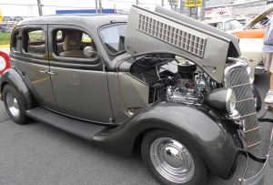 1935 Ford 4 door Slantback